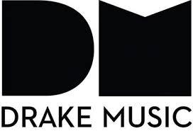 Das Logo von Drake Music: Ein großes, dickes, schwarzes D und ein M. Darunter steht Drake Music.